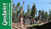 Traktor mit Seilkran und Prozessor
