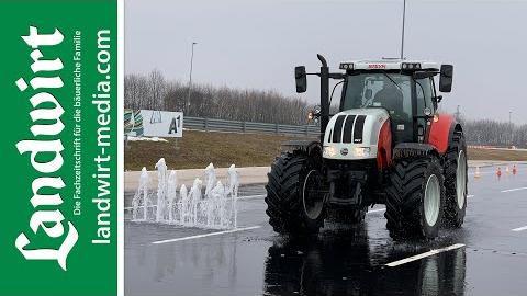ÖAMTC Traktor Fahrsicherheitstraining